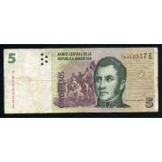 Billete Argentina P.353 5 pesos 2003 circulado Pliegues