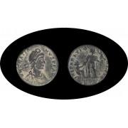 Moneda romana Follis o AE2 o Maiorina Graciano nacimiento: 359- muerte: 383 d.C